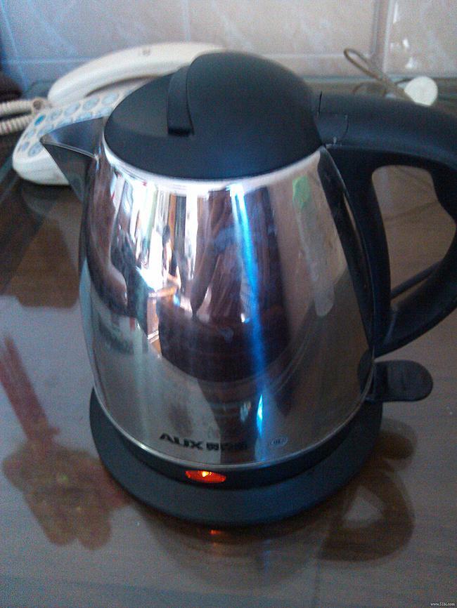 家庭常备的奥克斯热水壶