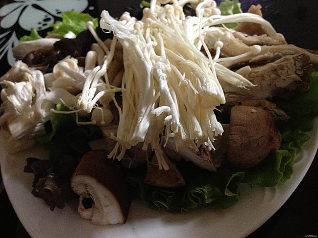 八道老菜炭火锅王,实惠的老式炭火锅