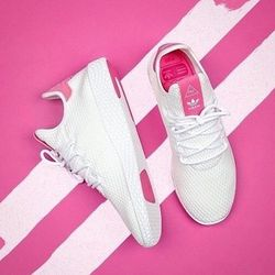 adidas 阿迪达斯×Pharrell Williams Tennis Hu  中性款休闲运动鞋