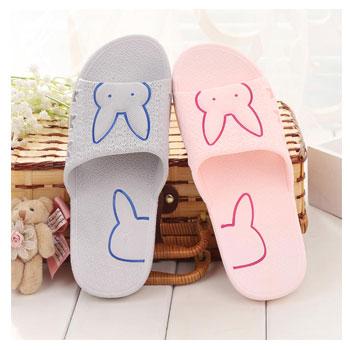 可爱萌兔防滑洗澡拖鞋
