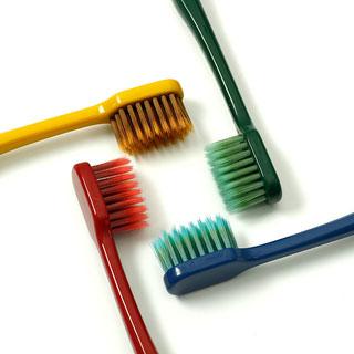网红人气竹炭纤维款牙刷